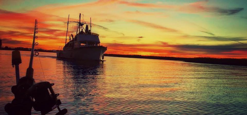sunset_boat